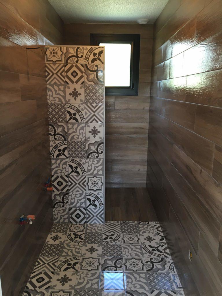 LCD - Pose de carreaux de ciment dans douche italienne