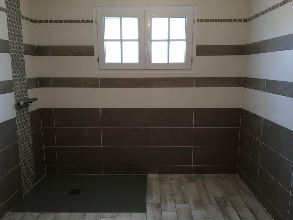 LCD - Pose de carrelage dans douche italienne