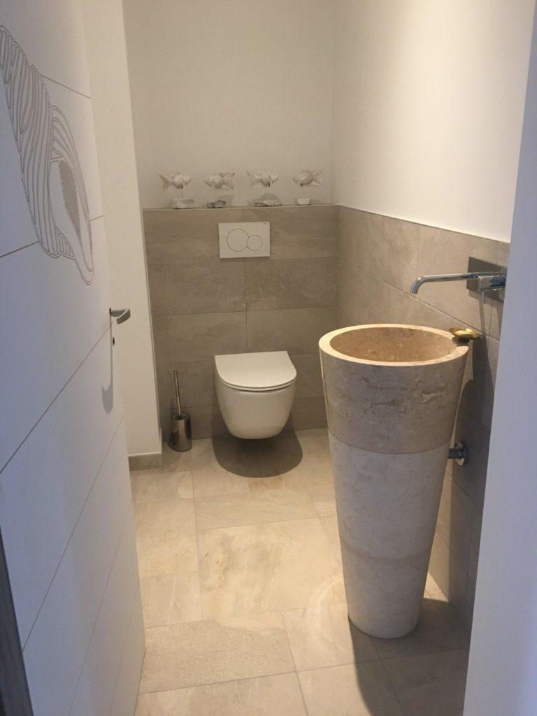 Aménagement de sanitaire : Carrelage crème